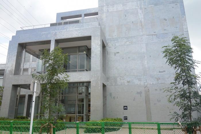 海老名市立図書館 ツタヤ図書館