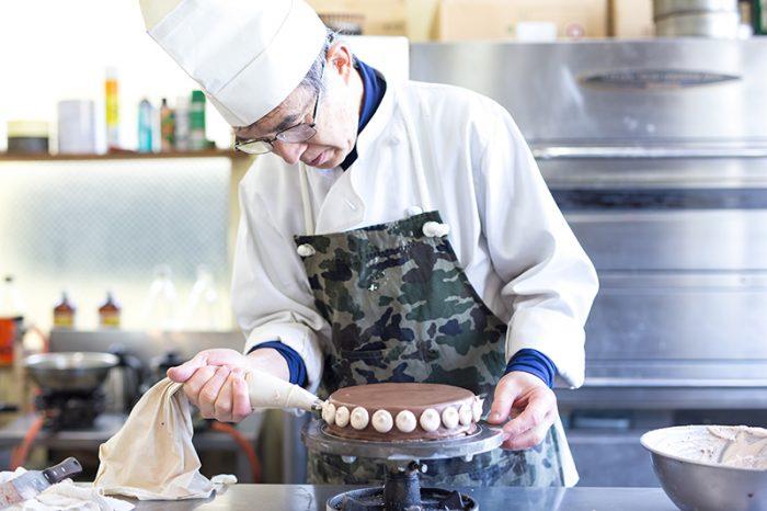 海老名市のケーキ屋プランタニエの店主小島さん